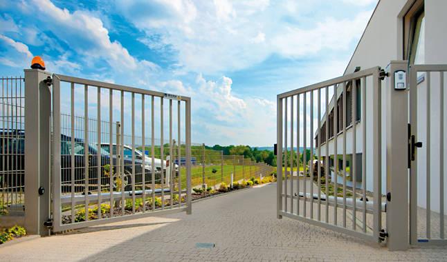 Les portails vantaux portes cl tures - Portail a vantaux ...