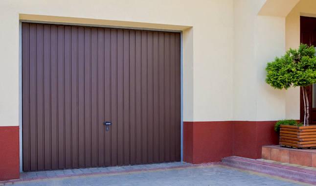 Les portes de garage basculantes portes cl tures - Galet pour porte de garage basculante ...